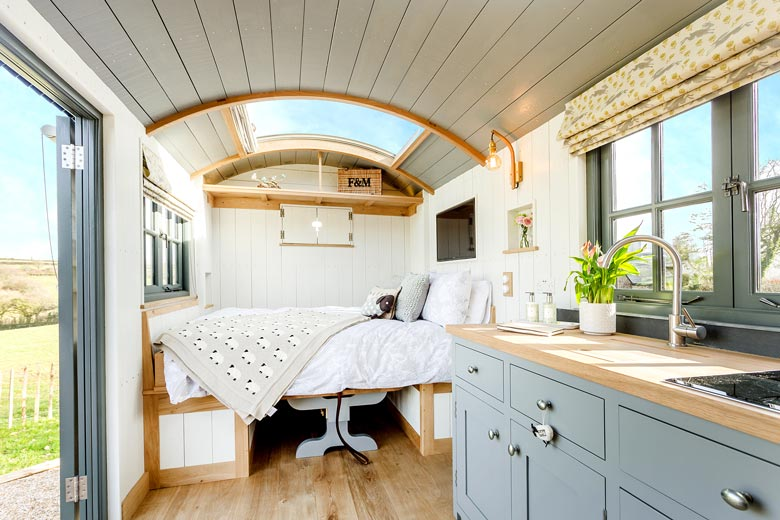 Luxury Shepherd's Hut Devon